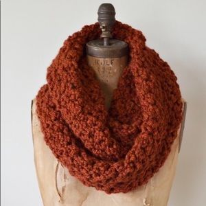 Gorgeous hand made brand rust new scarf